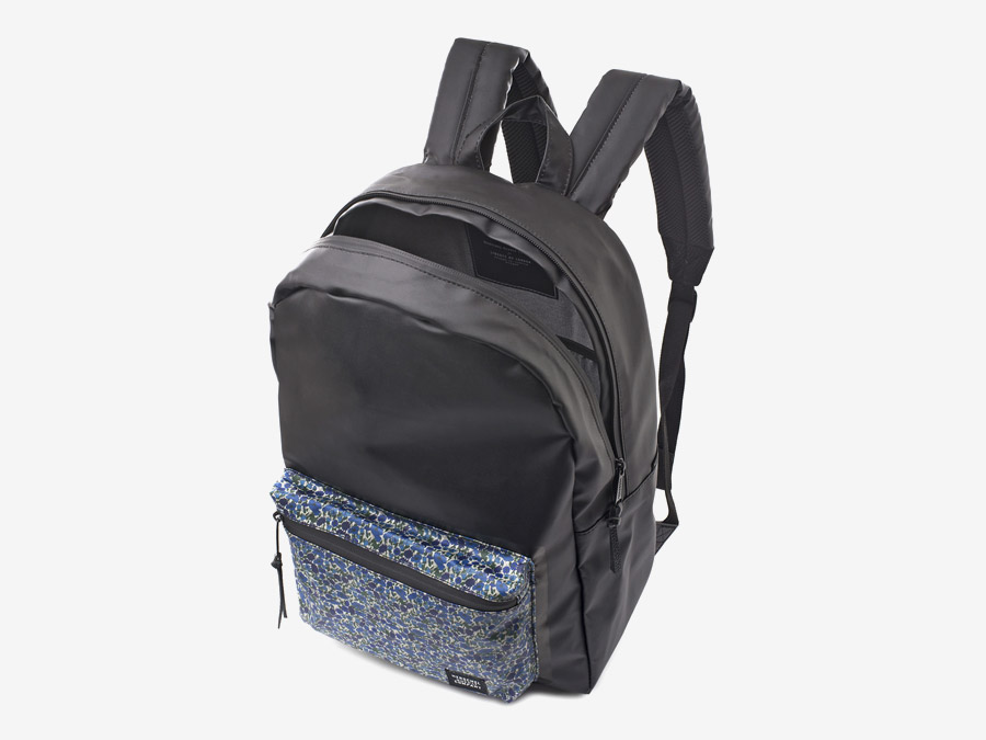 Batoh Herschel Supply & Liberty London – černý, barevné vzory – Settlement Backpack – Petal and Bud Liberty print