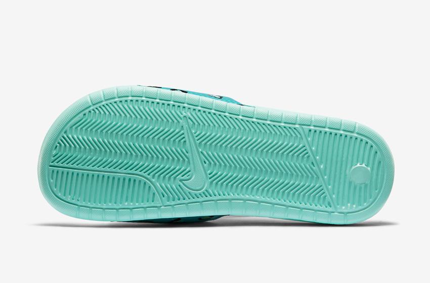 Nike Benassi Just Do It Print – dámské pantofle, letní nazouváky – zelená podrážka