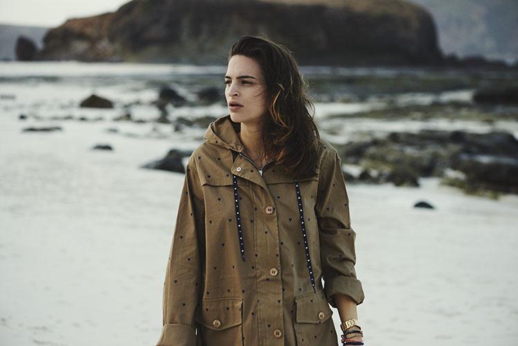 Femi Pleasure – hnědá (khaki) parka s kapucí, dámská delší bunda – dámské oblečení – jaro/léto 2015