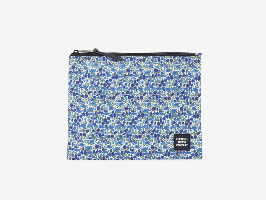 Taštička Herschel Supply & Liberty London – modrý vzor – Pouch – Petal and Bud Liberty print