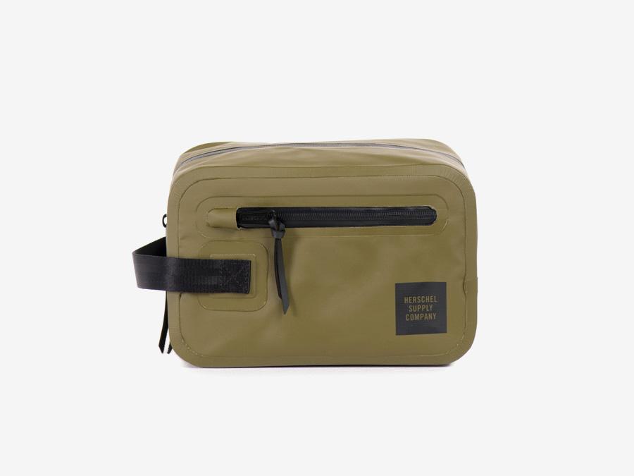Herschel Supply Studio — kosmetická taštička, toaletní taška, zelená (olivová), nepromokavá, voděodolná — Chapter Travel Kit