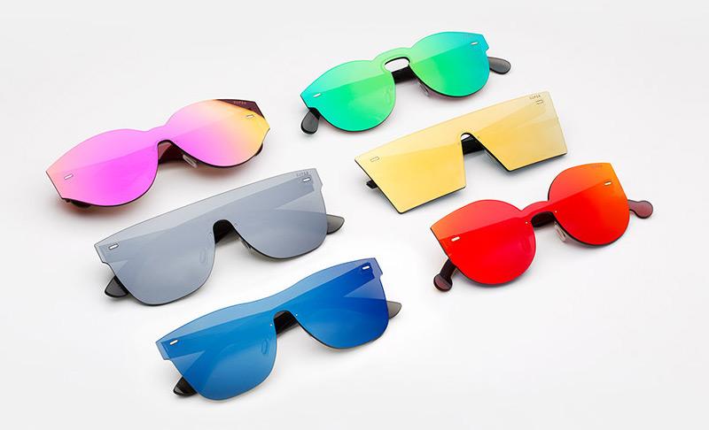 Super by RETROSUPERFUTURE® — sluneční brýle bez obrouček, retrofuturistické, moderní brýle — barevné — skla Zeiss