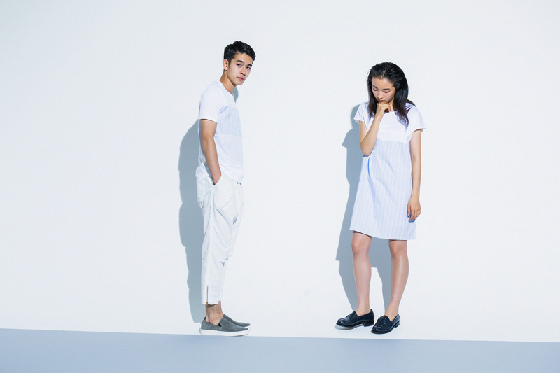 Aloye — dámské letní šaty, pánské modro-bílé tričko — móda jaro/léto 2015