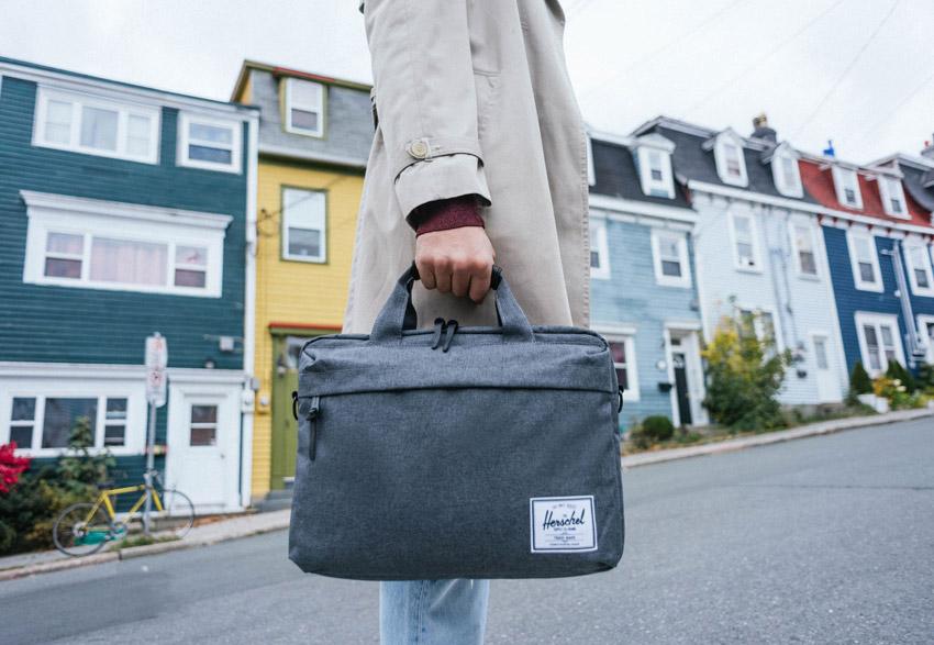 Herschel Supply — taška do ruky, pro laptop — Clark Messenger — podzim 2015 — lookbook