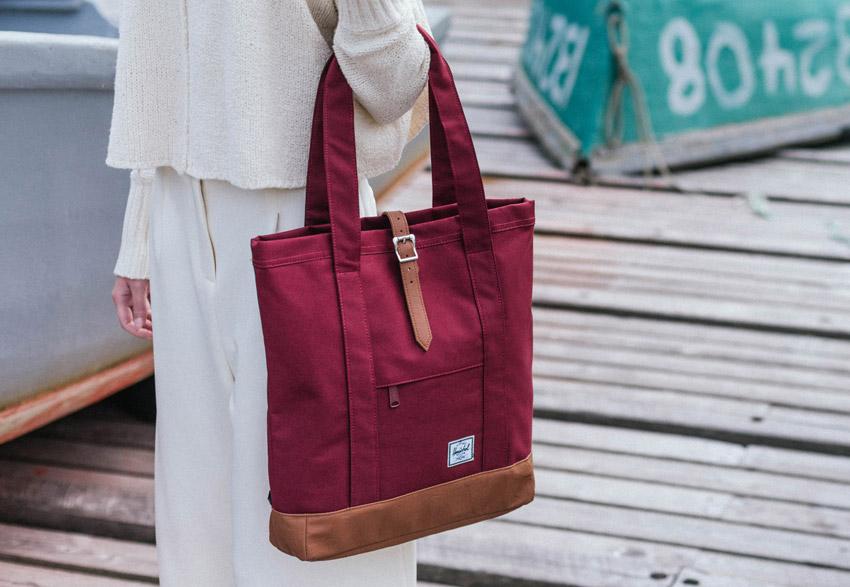 Herschel Supply — červená plátěná nákupní taška, dámská — Market Tote — podzim 2015 — lookbook