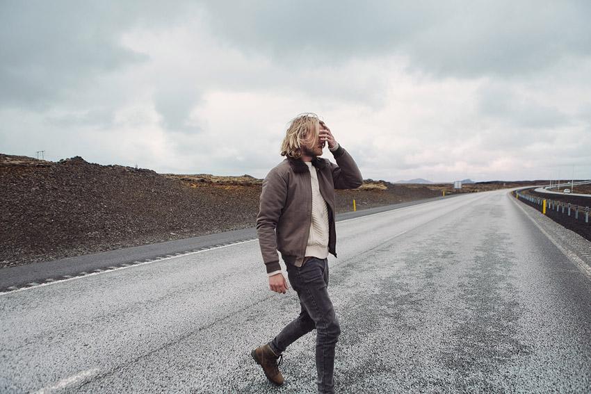 Olow — pánský šedý bomber, tmavě šedé džíny (jeansy) — pánské oblečení — lookbook podzim/zima 2015