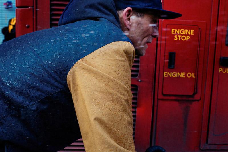 Vans — Mountain Edition — podzimní/zimní zateplená bunda Winnipeg, modrá, žluté rukávy — pánská