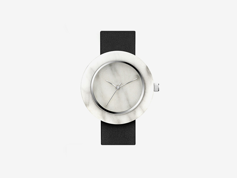 Analog Watch Co. — bílé mramorové hodinky, kulaté pouzdro, černý kožený náramek — marble watches