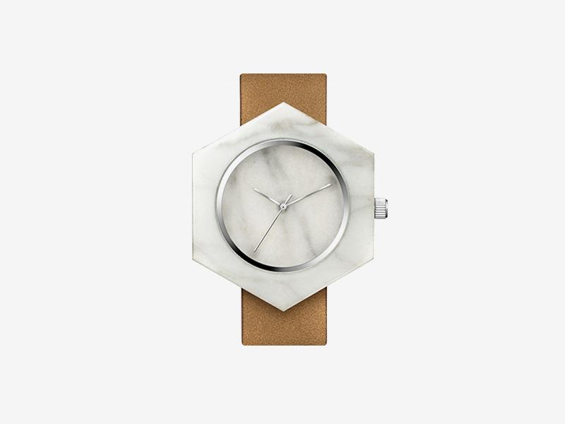 Analog Watch Co. — bílé mramorové hodinky, šestiúhelníkové pouzdro, hnědý kožený náramek — marble watches