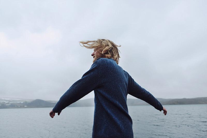 Olow — pánský modrý svetr s texturou — pánské oblečení — lookbook podzim/zima 2015
