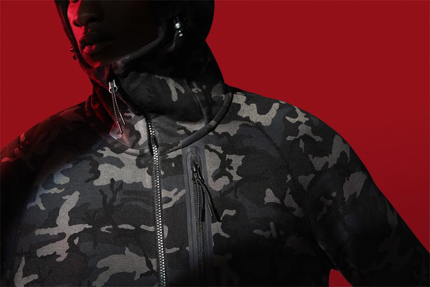 Nike Sportswear Tech Pack Fall 2015 — maskáčová mikina na zip s kapucí — sportovní oblečení — podzim 2015