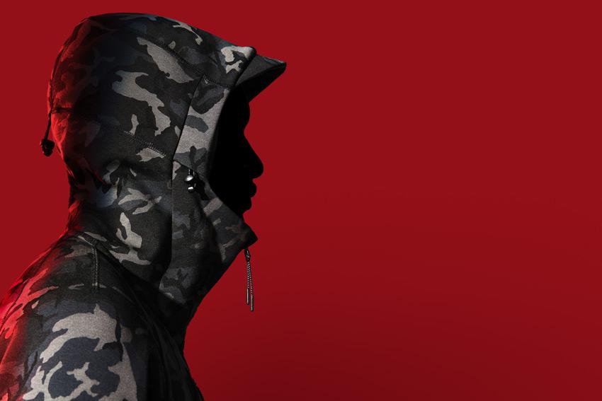 Nike Sportswear Tech Pack Fall 2015 — sportovní bunda s kapucí, maskáčová — sportovní oblečení — podzim 2015