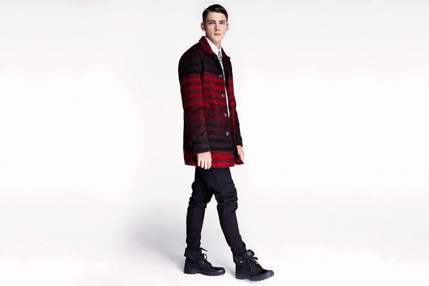 Daily Paper — pánský červeno-černý kabát s pruhy, podzimní, černé kalhoty — podzimní oblečení — 2015