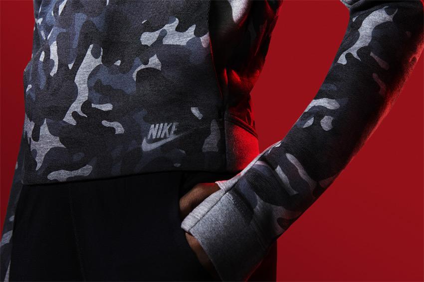 Nike Sportswear Tech Pack Fall 2015 — maskáčová mikina, dámská — sportovní oblečení — podzim 2015