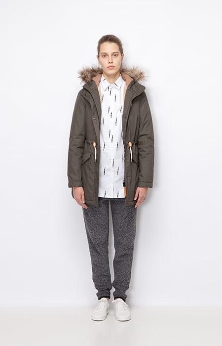 Ucon Acrobatics — dámská zimní bunda/parka s kapucí s kožíškem, olivová — dámské šedé tepláky — dámské oblečení podzim/zima 2015