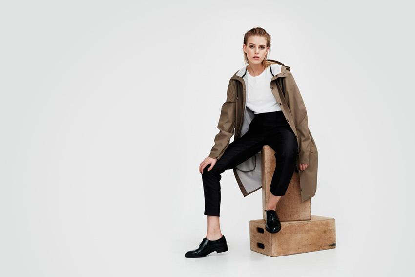Rains — dámský pršiplášť, dámská nepromokavá bunda s kapucí, hnědá, khaki, okrová — podzim/zima 2015 — raincoat — fall/winter