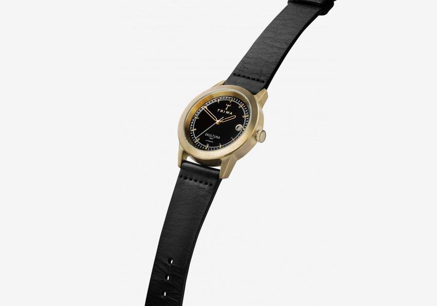 Hodinky Triwa x Skultuna — luxusní hodinky z mosazi — dámské, pánské — černý kožený řemínek, ocelové pozlacené pouzdro