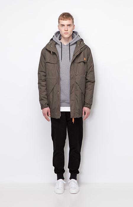 Ucon Acrobatics — pánská zimní bunda/parka s kapucí, tmavě šedá — joggers kalhoty, černé — pánské oblečení — podzim/zima 2015