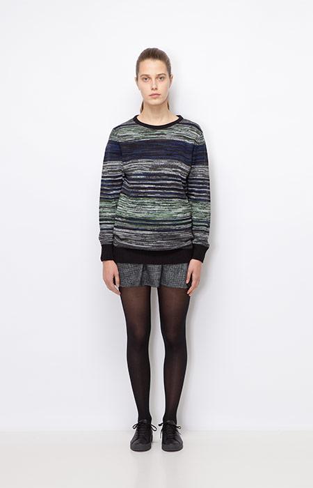 Ucon Acrobatics — dámský šedý svetr se vzorem — šedá podzimní/zimní sukně — dámské oblečení podzim/zima 2015