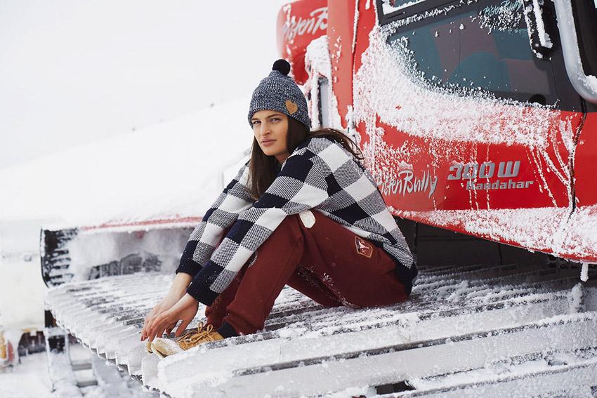 Femi Pleasure — dámský zimní svetr — dámské oblečení podzim/zima — fall/winter 2015