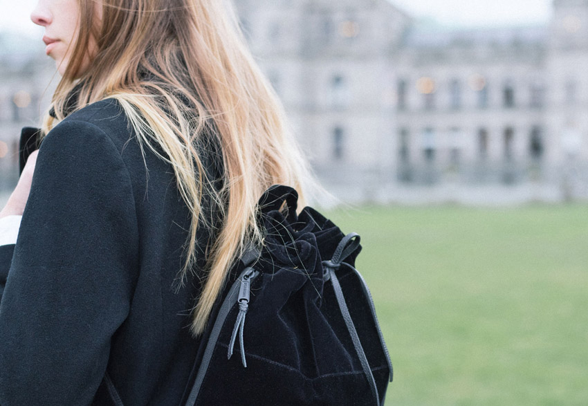 Herschel Supply Co. — dámský černý batoh na záda — Hanson Women's Backpack – Black Velvet — holiday lookbook 2015