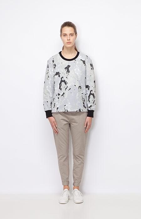 Ucon Acrobatics — dámská šedá mikina se vzorem, motiv hornin — dámské oblečení podzim/zima 2015