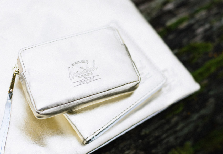 Herschel Supply Co. — stříbrná a zlatá peněženka — Oxford Wallet – Textured Gold/Silver — holiday lookbook 2015