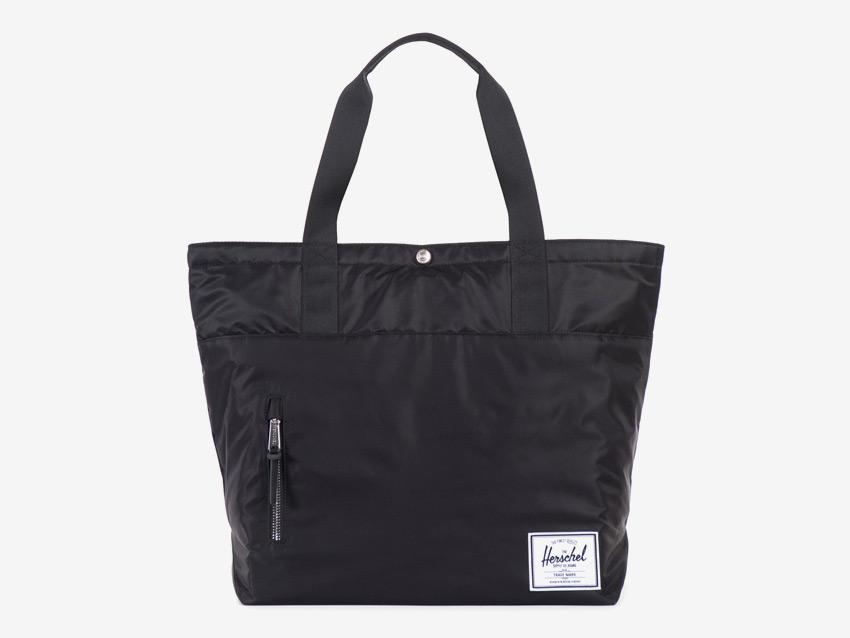 Herschel Supply — nákupní městská taška — Alexander Tote — černá