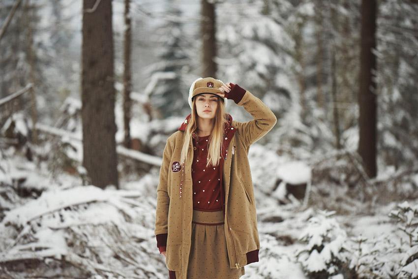 Femi Pleasure — hnědá dlouhá zimní bunda s kapucí, dámská — dámské oblečení podzim/zima — fall/winter 2015