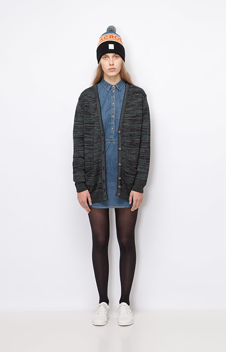 Ucon Acrobatics — dámský dlouhý svetr s knoflíčky, šedý — jeansové modré šaty — dámské oblečení podzim/zima 2015
