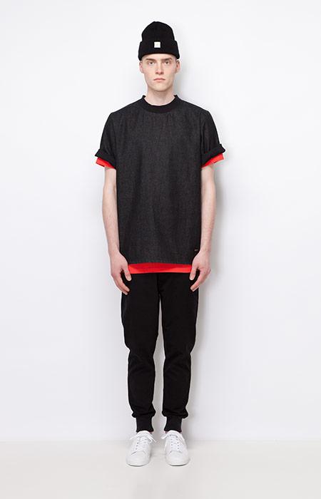 Ucon Acrobatics — černé pánské tričko — černé kalhoty joggers s úplety — pánské oblečení — podzim/zima 2015