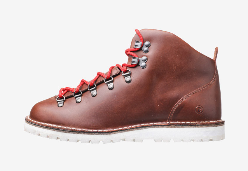 PLAYBAG — vysoké kožené pohorky a zimní boty PLAYBOT, pánské a dámské