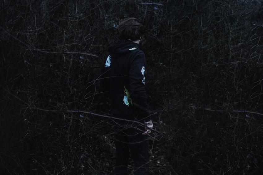 Silent — mikina s kapucí a potiskem — černá — pánská, dámská — Bouguereau