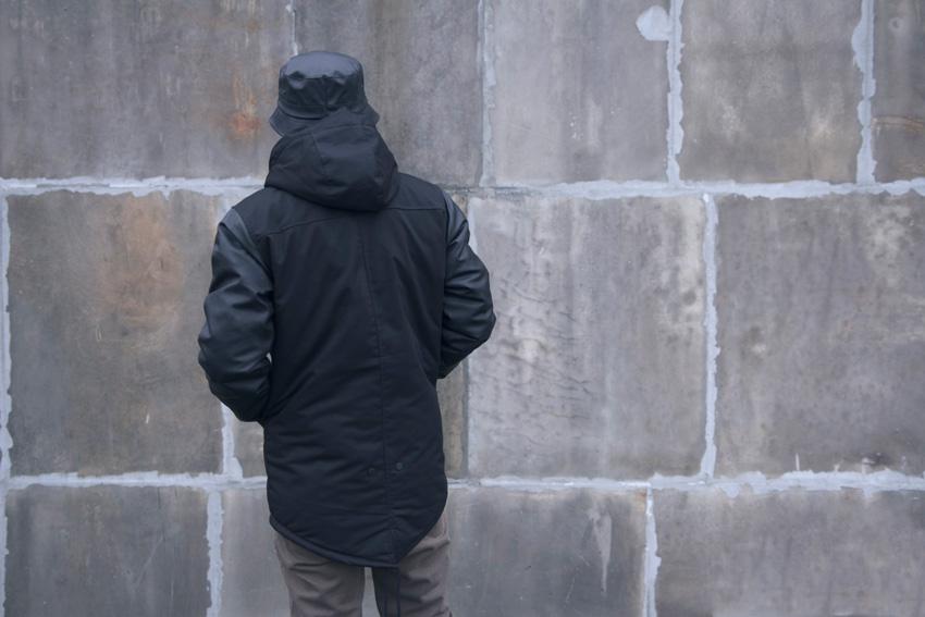 Backyard Cartel — pánská street zimní bunda, černá — fishtail parka s kapucí