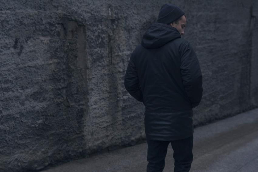 Backyard Cartel — černá zimní bunda, street — pánská fishtail parka s kapucí