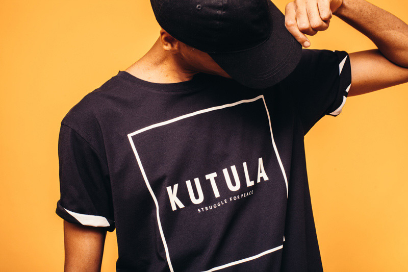 Kutula — černé tričko — camouflage print, camo