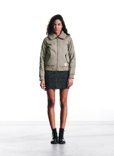 Wemoto — krátká zateplená béžová bunda do pasu, dámská — béžová — podzim/zima 2015