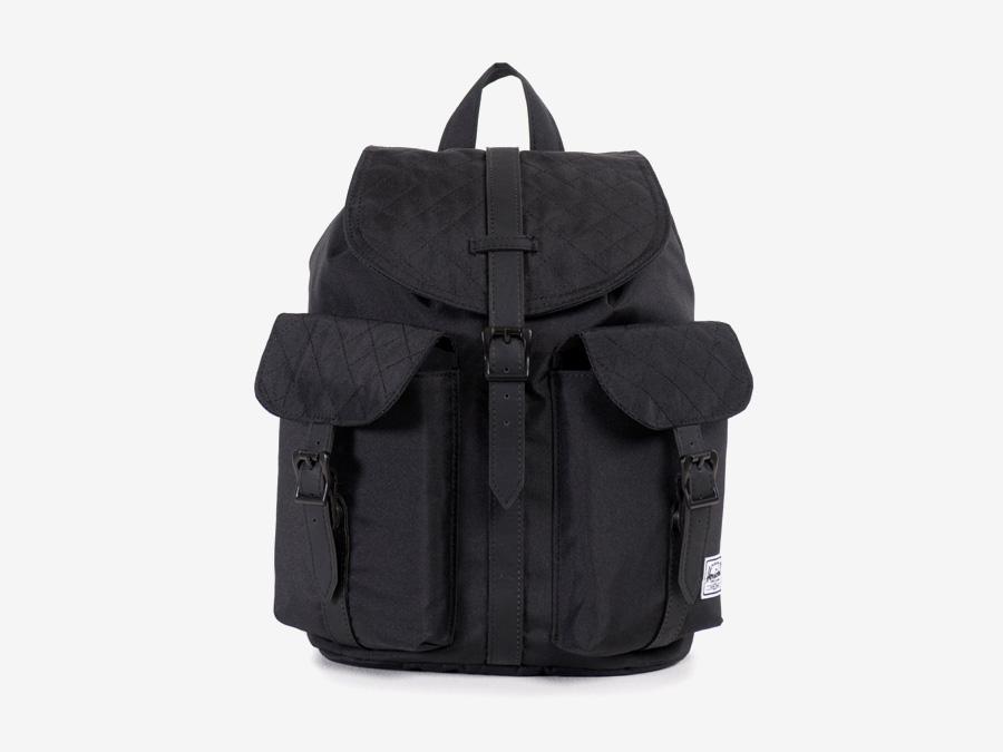 Batoh Herschel Supply — Dawson Backpack – Mid-volume — dámský plátěný batoh — černý, prošívaný — kolekce Quilted