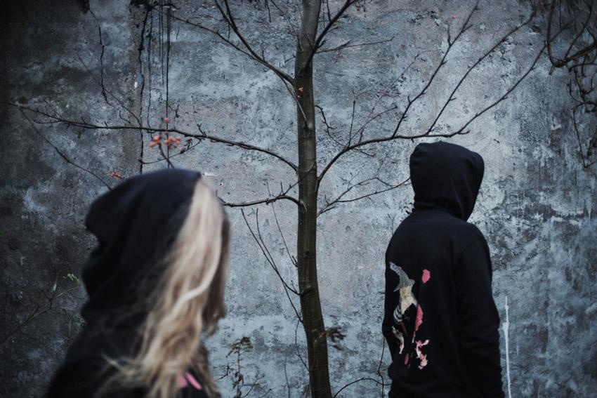 Silent — mikina s potiskem a kapucí — černá — pánská, dámská — The Prowl
