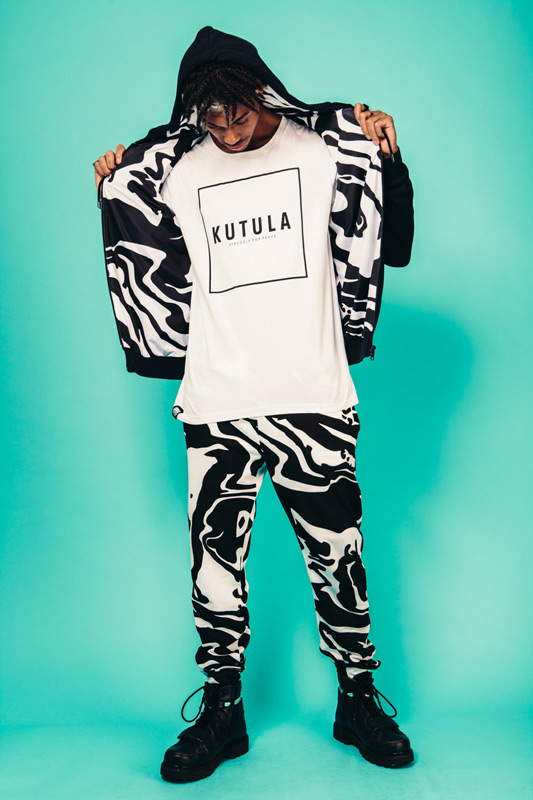 Kutula — maskáčové černo-bílé kalhoty joggers, černo-bílý bomber, oboustranný — camouflage print, camo