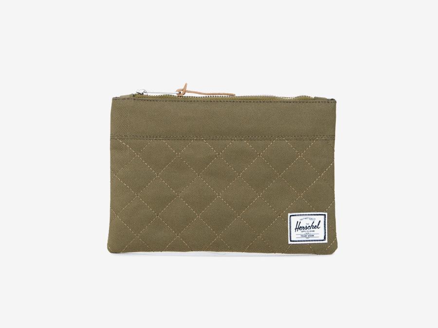 Pouzdro Herschel Supply — Field Pouch — hnědé-zelené, army, prošívané — toaletní taška, taštička, psaníčko — kolekce Quilted
