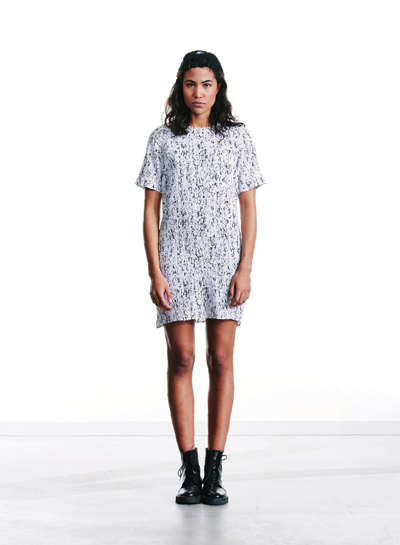 Wemoto — černo-bílé šaty se vzorem — podzim/zima 2015