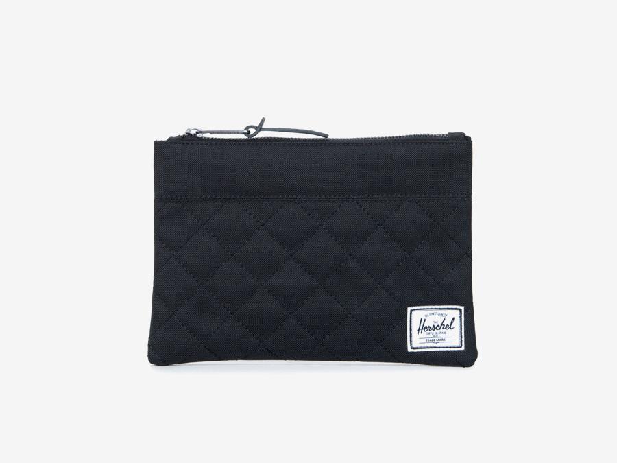 Pouzdro Herschel Supply — Field Pouch — černé, prošívané — toaletní taška, taštička, psaníčko — kolekce Quilted