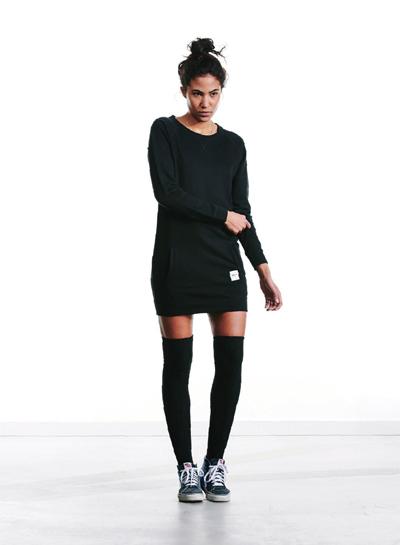Wemoto — dámská dlouhá mikina, šaty s úpletem — černé — podzim/zima 2015