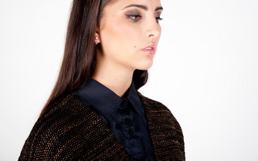 Pattern — dámský svetr, cardigan s kapsami, svetr s knoflíčky, vlněný — černo-hnědý