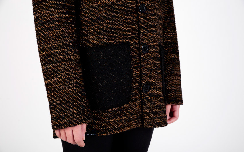 Pattern — svetr s knoflíčky, vlněný dámský kardigan s kapsami — černo-hnědý
