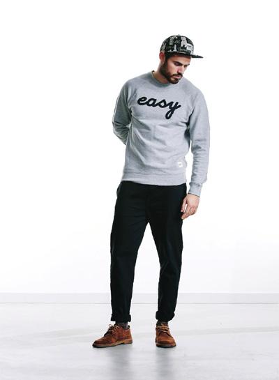 Wemoto — pánská šedá mikina Easy — černé kalhoty — podzim/zima 2015
