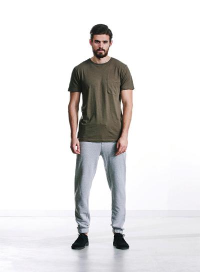 Wemoto — hnědo-zelené tričko s kapsičkou — pánské — podzim/zima 2015