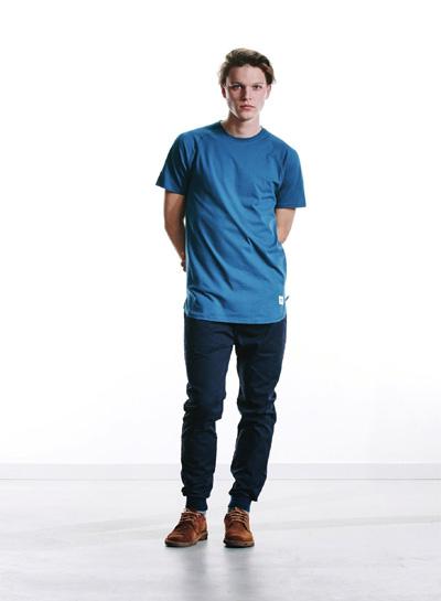 Wemoto — světle modré tričko, pánské — modré kalhoty joggers — podzim/zima 2015
