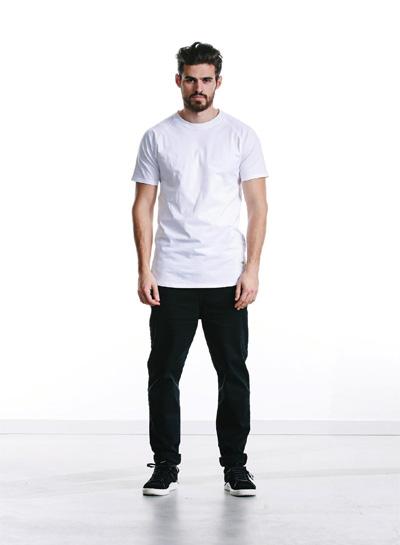 Wemoto — černé kalhoty, pánské — bílé tričko — podzim/zima 2015